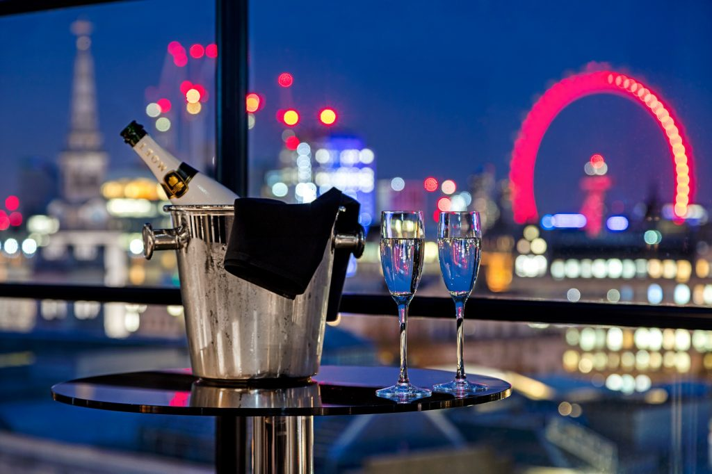 Radisson Blu Edwardian Hampshire for London skyline views & rooftop parties