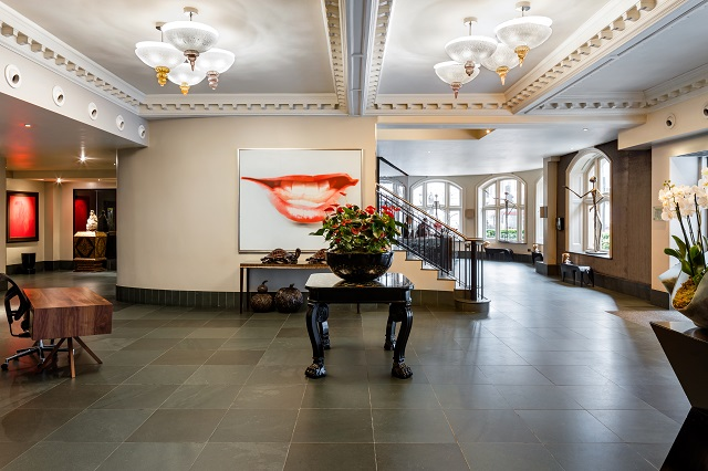 Radisson Blu Edwardian Bloomsbury Street Hotel lobby